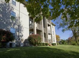 Lakewood Village Apartments - Springfield