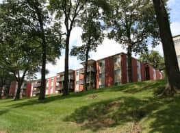 Cedarwood Hills - Cedar Rapids