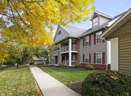 Foxwood Crossing Apartments - Greenfield