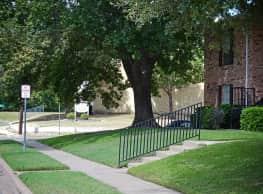 Sherman Oaks Apartments - Sherman