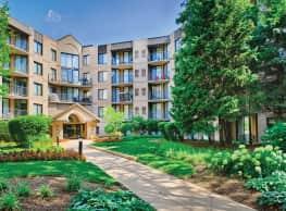 Elm Creek Apartments and Townhomes - Elmhurst
