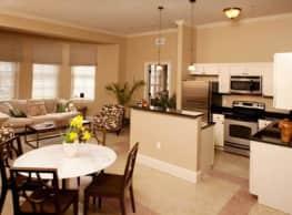Chestnut Green Apartments - Foxboro