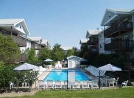 Cross Creek Apartments - Urbandale