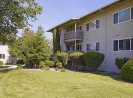 Hilltop Garden - Redding California - Redding