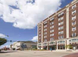 The Renaissance at Historic Hotel Elkhart - Elkhart