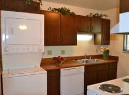 Tara Hill Apartment Homes - Greenfield