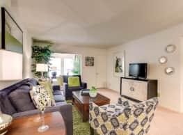 Fox Run Apartment Homes - Metairie