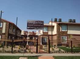 Huntington Palace Luxury Apartments - Fresno