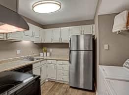 Avia East Cobb Apartment Homes - Marietta