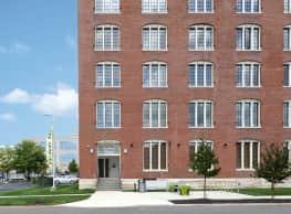 Station Plaza Apartments - Saint Louis