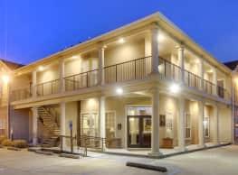 The Highland Club - Baton Rouge