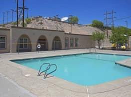 Wallington Plaza - El Paso