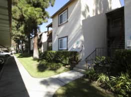 Rose Pointe Apartments - Fullerton