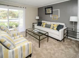 Oxford Manor Apartments & Townhomes - Mechanicsburg