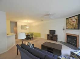 Granite Ridge Apartments & Villas - Greensboro