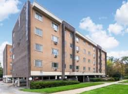 Madison West Apartments - Waukegan