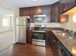 Royal Oaks Apartments - Eagan