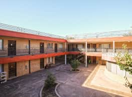 La Fonda Apartments - Enid
