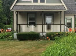 4 br, 2 bath House - 1700 S State St 1700 S. State - Ann Arbor