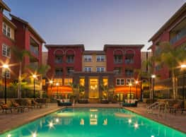 Mira Bella Apartments - San Diego