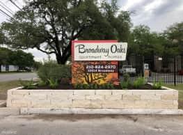 Broadway Oaks Apartment Homes - San Antonio