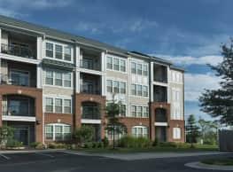 Signal Hill Apartment Homes - Woodbridge