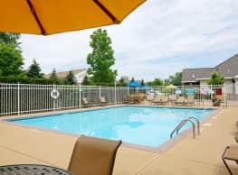 Arbor Glen Apartments - Maple Grove
