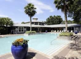 Avalon Apartments - Pensacola