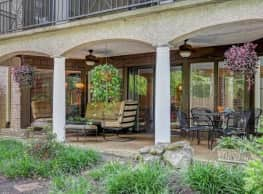 Village South & Villa Adrian Apartments - Nashville