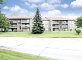 Green Hill Apartments - Farmington Hills