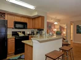 Providence Lakes Apartments - Brandon