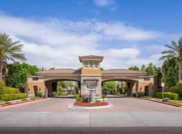 Versante Apartment Homes - Avondale