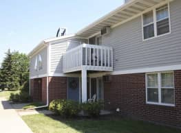 Foxcroft Apartments - Green Bay