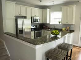 Saltmeadow Bay Apartments and Townhomes - Virginia Beach