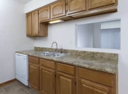 Polo Club Apartments & Townhomes - Springfield