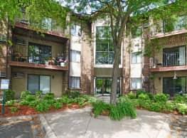Cedar Hills Apartments - Minnetonka