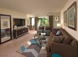 Howard Crossing Apartment Homes - Ellicott City