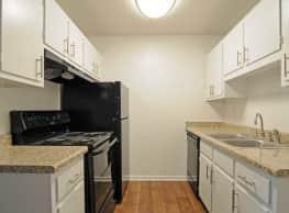 Park Avenue Villas - Newly Renovated - Tallahassee