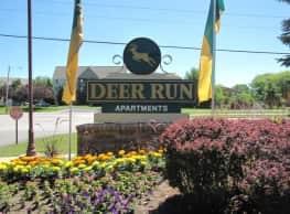 Deer Run Apartments - Brown Deer