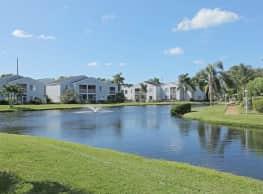 Aaron Lake Apartments - Bradenton
