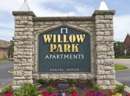 Willow Park Apartments - Des Moines