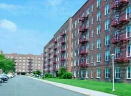 Tysens Park Apartments - Staten Island