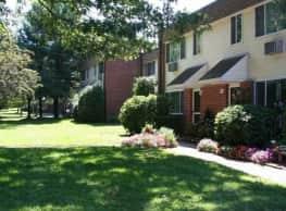Eastbrook Apartments - Springfield