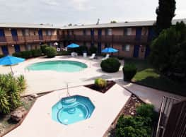 La Petite Chateau Apartments - Mesa