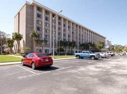 Central Manor Apartments - Daytona Beach