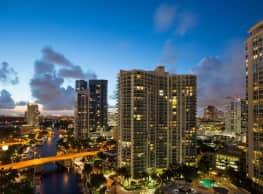 Vu New River Apartments - Fort Lauderdale
