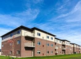Signature Apartments at StoneMill Pond - Moorhead