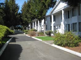 Thirteen Colonies Townhouses - Tacoma