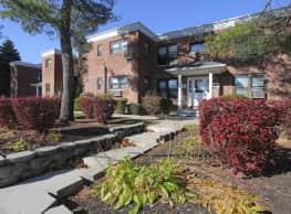 Eagle Rock Apartments At Hicksville/Jericho - Hicksville