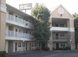 Furnished Studio - Bakersfield - California Avenue - Bakersfield